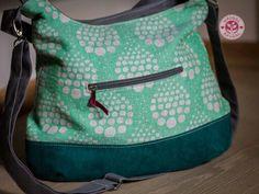 giovabag @wauggl nmmm Babywearing, Diaper Bag, Lunch Box, Bags, Fashion, Handbags, Moda, Fashion Styles, Baby Wearing