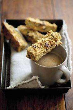 Buttermilk Rusks, Cooking Recipes, Healthy Recipes, Healthy Food, South African Recipes, Muesli, Scones, Family Meals, Om