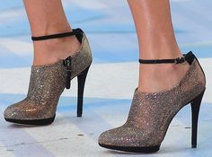 """Carrie Underwood Dazzles in Shimmery Brian Atwood """"Fruitera"""" Booties"""
