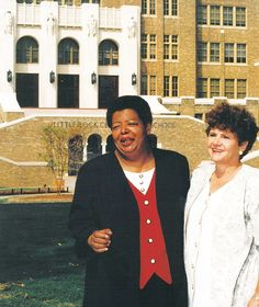 Former Little Rock Central High School students Elizabeth Eckford and Hazel Bryan Massery First Black President, Black Presidents, Louis Armstrong, Little Rock, High School Students, Countries Of The World, Black History, American, People