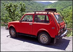 my favorite car! i <3 lada niva