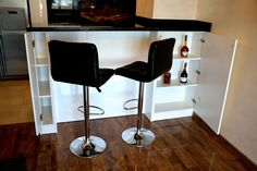 Mobila de Bucatarie din MDF Vopsit Ral 9003 Alb Lucios cu interior MDF MiniBar Desk Lamp, Table Lamp, Interior, Furniture, Home Decor, Indoor, Homemade Home Decor, Table Lamps, Design Interiors