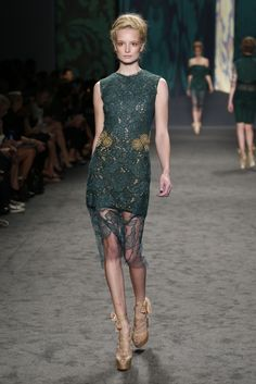 Spring 2013 Trend: The Amazing Lace  (Vera Wang RTW Spring 2013)
