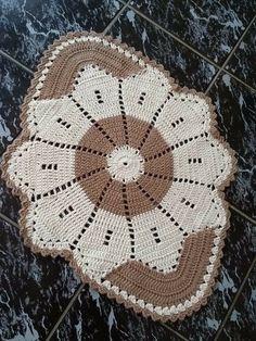 (notitle) - Crochet home decor - Crochet Doily Patterns, Crochet Doilies, Crochet Flowers, Crochet Stitches, Crochet Round, Filet Crochet, Knit Crochet, Crochet Hats, Crochet Table Runner