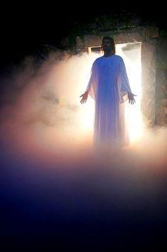 Jesus Christ, the Risen Messiah, the Savior of the World Jesus Reyes, Jesus Art, Bride Of Christ, Biblical Art, Jesus Pictures, Gif Animé, Jesus Is Lord, Jesus Cristo, King Of Kings