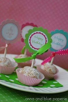 I'm thinking of making some of these for Sadie's 1st birthday party.