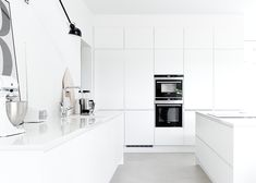 Still living in NYC, but that doesn't stop me from concocting ideas for the next digs! Home Decor Kitchen, New Kitchen, Kitchen Interior, Home Interior Design, Kitchen Dining, Bright Kitchens, Cool Kitchens, Beautiful Kitchen Designs, Open Concept Kitchen
