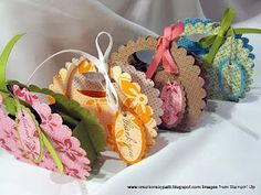 Creations by Patti: Scallop Island Oasis Purses (made from paper) So cute for a tea party, bridal shower or favor for a little girl's birthday guests 3d Paper Crafts, Paper Gifts, Diy Crafts, Foam Crafts, Diy Paper, Paper Art, Paper Purse, Cute Box, Ideas Party