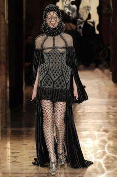 Octavo día en la París Fashion Week: Alexander McQueen