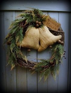 Primitive Burlap Bells Shabby Christmas Wreath with Berries Jingle Bells #NaivePrimitive #PrimbyNature