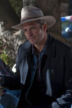 Timothy Olyphant photos, including production stills, premiere photos and other event photos, publicity photos, behind-the-scenes, and more.