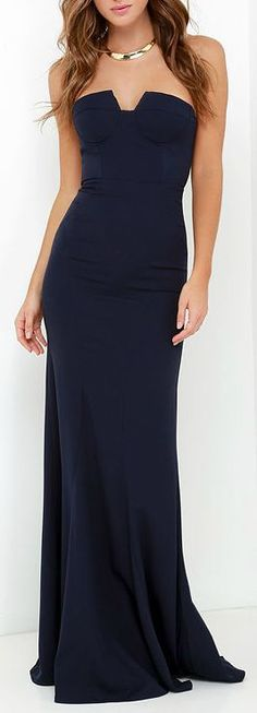 We didn't know a maxi dress could be as sultry at the Ladylove Navy Blue Strapless Maxi Dress! Notched sweetheart neckline tops a bustier bodice with flaring maxi skirt. Evening Dresses, Prom Dresses, Bridesmaid Dresses, Formal Dresses, Sexy Dresses, Navy Bridesmaids, Afternoon Dresses, Flapper Dresses, Quinceanera Dresses
