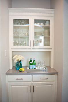 kitchen built-ins / color pop - Kitchen Pantry Cabinets Kitchen Built Ins, Kitchen Pantry Cabinets, Kitchen Cabinet Colors, Diy Cabinets, New Kitchen, Kitchen Decor, Kitchen Counters, Kitchen Themes, White Cabinets