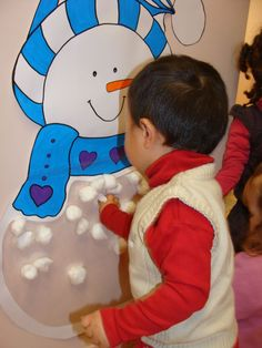 this could be a cute seasonal interactive wall-leave glue and cotton balls to fill in the snowman! this could be a cute seasonal interactive wall-leave glue and cotton balls to fill in the snowman! Winter Crafts For Kids, Winter Kids, Winter Snow, Winter Christmas, Winter Activities, Christmas Activities, Toddler Activities, Winter Thema, Snow Theme