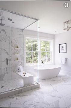 Bathroom tub window marbles Trendy Ideas Badezimmer Badewanne Fenster Marmor Trendy I Clean Shower Doors, Modern Master Bathroom, Master Baths, Bathroom With Window, Master Shower, Modern Bathtub, Bathroom Windows, Master Bath Tile, Modern Luxury Bathroom