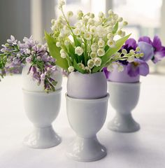 bloved-uk-wedding-blog-spring-easter-home-decor-wedding-diy-inspiration-eggcup-mini-flower-arrangements Martha Stewart