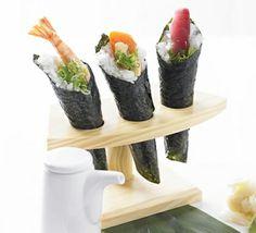 Sushi hand rolls (temaki)