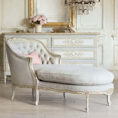 classic furniture Eloquence Louis Antique Reproduction Chaise in Fog Linen and Gold Two-Tone Finish with Dresser in a French Style Bedroom with the Bronte Dresser Classic Home Decor, Classic House, Chaise Lounge Bedroom, French Style Homes, French Country Bedrooms, French Decor, French Chic, Classic Furniture, French Furniture