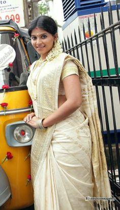 Beautiful Girl Indian, Most Beautiful Indian Actress, Beautiful Saree, South Indian Actress Hot, Indian Actress Hot Pics, Indian Actresses, Men's Fashion, Fashion Week, Beautiful Bollywood Actress