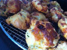 Gougères au chorizo – Thermomix Tapenade, Bite Size, Mini Cakes, Tapas, Cauliflower, Brunch, Pork, Appetizers, Meat