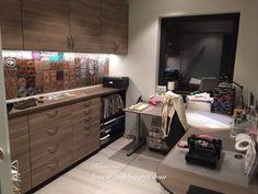 Kristinas kortblogg: Bunadskort - tips og råd Space Crafts, Craft Organization, Corner Desk, Diy And Crafts, Kitchen Cabinets, Room, Furniture, Spaces, Home Decor