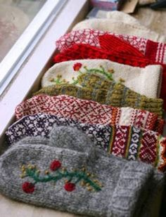 Fabric Crafts, Sewing Crafts, Sewing Projects, Diy Crafts, Knitting Patterns, Sewing Patterns, Knitting Tutorials, Hat Patterns, Loom Knitting