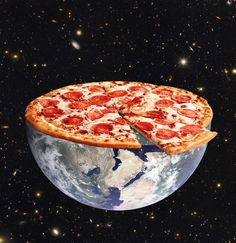 Planet Pizza. Digital collage, Annette von Stahl