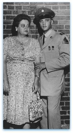 Elvis and Priscilla Presley 1965 | 24. 3. 1958 - Elvis chega á junta do recrutamento das forças armadas ...