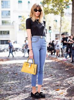cropped high waisted jeans outfit