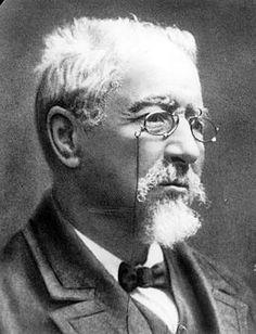 Manuel Antonio Martínez Murguía, nado no Froxel (Oseiro, Arteixo), o 17 de maio de 1833 e finado na Coruña o 1 de febreiro[1] de 1923, foi un historiador galego que impulsou o Rexurdimento e creou a Real Academia Galega. No ano 2000 dedicóuselle o Día das Letras Galegas.
