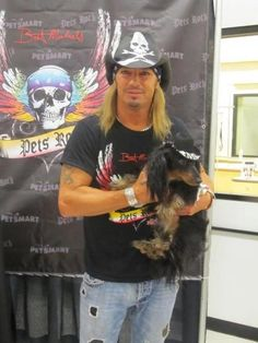 Brett Michaels and other celebrities with their doxies <3
