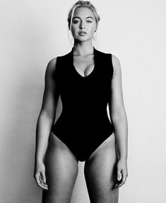 iskra lawrence's 10 point guide to loving your body - Kicking off National Eating Disorders Awareness Week, plus size model and body image activist, Iskra Lawrence shares with us her guide to a more body positive future Source by missthh - Iskra Lawrence, Body Love, Loving Your Body, Curvy Models, Role Models, Molliges Model, Iskra Model, Model Body, Actrices Sexy