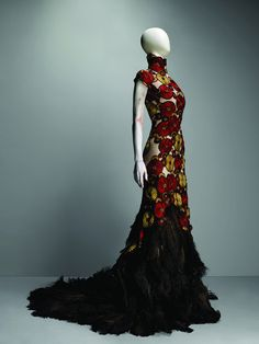 Alexander McQueen for the love of all that is good and right in the universe I shall wear this gown.. With prowess and pride and ignore everyone on purpose. Except god. (-: