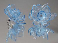 Riciclo creativo con le bottiglie di plastica - Orecchini con fiori di plastica