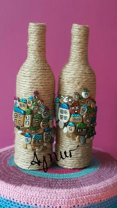 Bottle Painting, Diy Painting, Pebble Painting, Glass Bottle Crafts, Wine Bottle Art, Bottles And Jars, Glass Bottles, Diy Resin Art, Stone Crafts