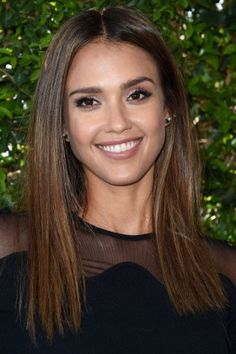 Jessica Alba / #celebrity #hairstyles  There's absolutely nothing wrong with a one-length cut—especially if your hair is thick and healthy. Snipping into the ends just so will prevent the style from looking drab.