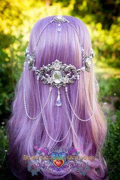 Etsy の Crystal Wave Goddess Circlet by BlingGoddessBoutique