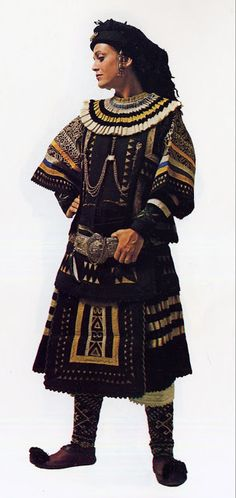 FolkCostume&Embroidery: Costume of the Sarakatsani or Karakachani Greece Folk Clothing, Historical Clothing, Traditional Fashion, Traditional Dresses, Costumes Around The World, International Clothing, Art Populaire, Ethnic Dress, Folk Costume