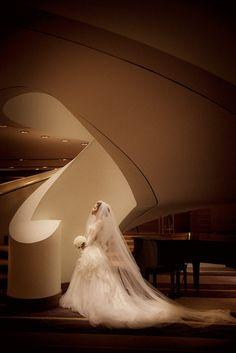 Modern indoor bridal portrait, Studio Impressions
