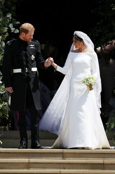 The Newly Married Duke And Ss Of Sus Prepare To Leave St Royal Wedding