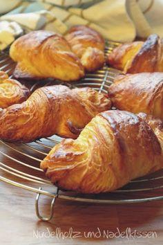 Nudelholz und Nadelkissen: Butter-Croissant
