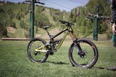 GT defiantly build the best looking bike of 2014 GT Fury World Cup #Downhill #GT #Freeride #Bike