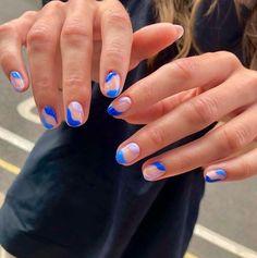 15 Φανταστικά σχέδια για νύχια σε μπλε χρώμα! | ediva.gr Nagellack Design, Nagellack Trends, Hello Nails, Milky Nails, Mens Nails, Acylic Nails, Nail Jewelry, Best Acrylic Nails, Shellac Nail Art