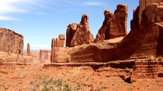 Park Avenue is one of the first stops after entering Arches National Park, and is a great way to start your visit. Description from yourhikeguide.com. I searched for this on bing.com/images
