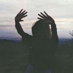 Livin' wild and free Pale Tumblr, Voyager C'est Vivre, Look Dark, La Face, The Embrace, Wattpad, Pretty Pictures, Nice Photos, Free Spirit