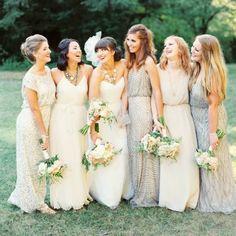 Madrinhas de vestidos iguais