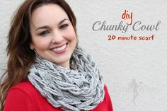 DIY Chunky Cowl Arm Knitting Scarf 20 minutes tutorial (with video)
