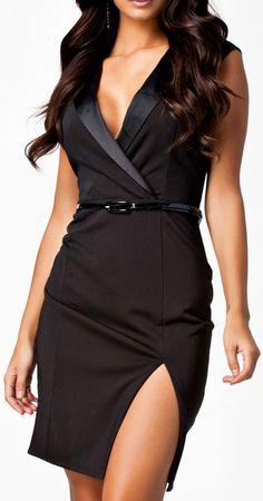 Black Split Bodycon Dress // #lbd