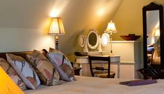 The Crown Inn: Country inn with five star bed and breakfast accommodation situated in the village of Elton, near Peterborough, Cambridgeshire . Pub Accommodation, Peterborough, The Crown, Bed And Breakfast, Star, Country, Luxury, Room, Hotels