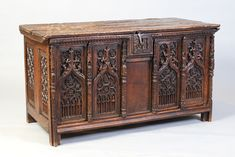 Image result for gothique coffre en chene Renaissance Furniture, Gothic Furniture, Casket, Woody, Women's Clothing, Boxes, Woodworking, Carving, Strong
